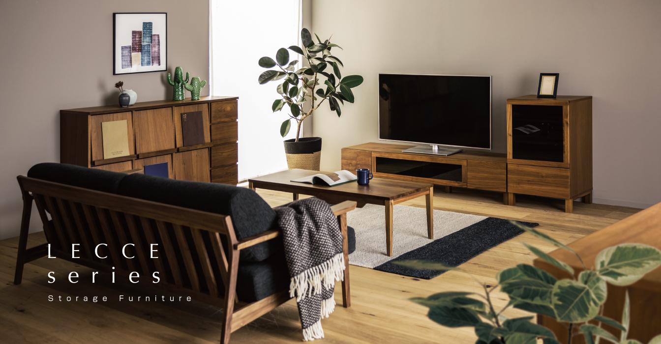 色の濃い家具の寝室コーディネート