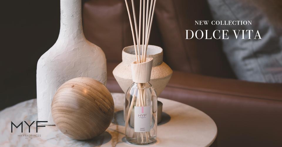 色の濃い家具のダイニングコーディネート